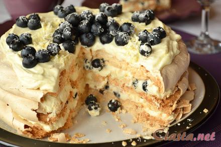 Ciasta Net Tort Bezowy Z Borowkami